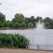 Victoria Park - Photo: Ewan-M, flickr