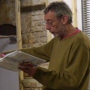 Micheal Rosen reads his latest book. Pic: Helen Lock