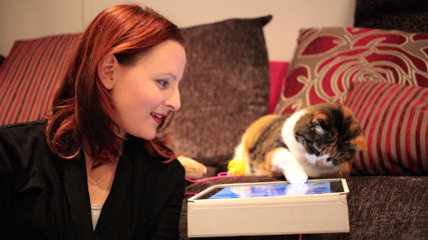 laurenpears and cat Pic Jemima Yong