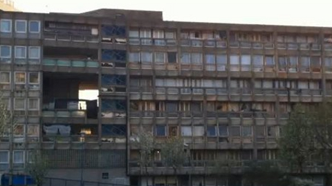 Robin Hood Gardens awaiting demolition. Pic: ELL