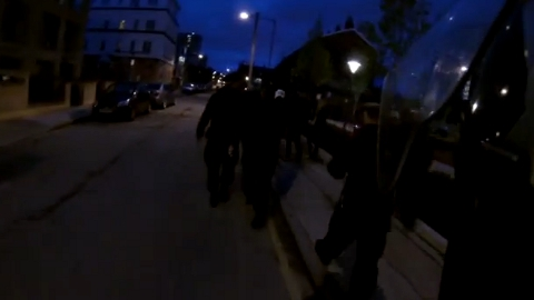 Met Police in semi-darkness in Tower Hamlets as part of Operation Carbon