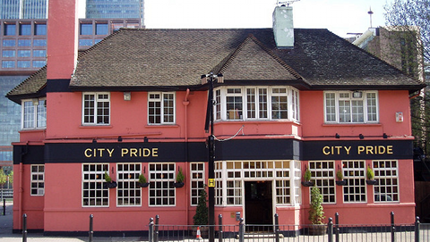 City pride pub by Ewan Munro