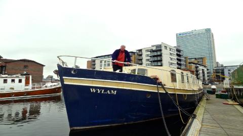 Man on boat 1 pic: Brit Dawson