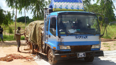 Flat bed truck carrying maize, transport to Pebane. Pic: Ian Packham