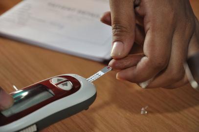 2Blood_Glucose_Testing_-_Kolkata_2011-07-25_3982
