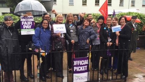 NHS workers on strike in attempt to secure 1% pay rise. Pic: Melissa Gresham