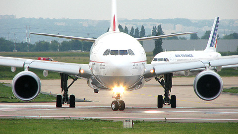 The plane was stopped on the runway at Heathrow airport. Pic: *Crazy Diamond*