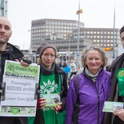 LLF - Green_party_at_London_Bridge - Green_party_petition