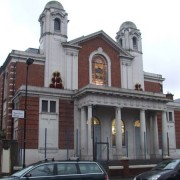 The New Synagogue in Stamford Hill, Hackney. Original photo: Chris Whippet (CC BY-SA 2.0)