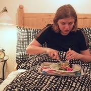 Eastlondonlines reporter Katharina Schoffman eats breakfast at the pop-up store. Pic: Eastlondonlines
