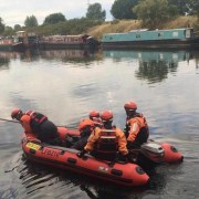 Police search River Lea Canal Pic: B.W.