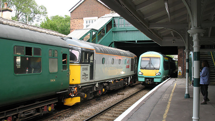 Old and new Southern trains. Pic: geograph.org.uk